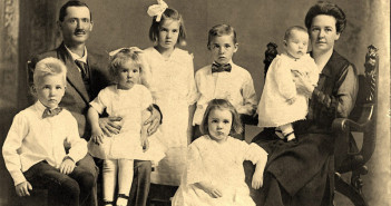 99old-family-photos-019