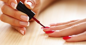 manicure-at-home-620km111312-1363289798
