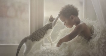 photographers-from-all-over-the-world-capture-amazing-photos-of-children-and-animals-3__880